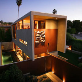 Modern California Architecture on a former brown-field site