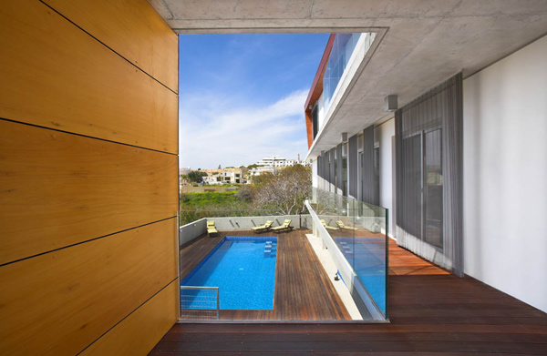 modern-cyprus-architecture-artfully-divided-house-3.jpg