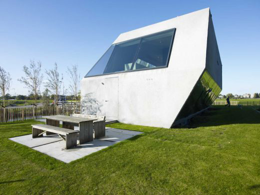 modern-island-house-amsterdam-2.jpg