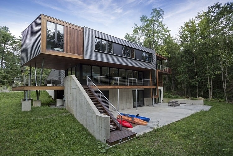 Modern Massachusetts Forest House With Two Story Ceilings