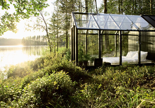 Modern Modular Architecture – Small Greenhouse Style Home