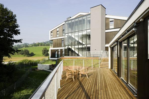 Modern multi family architecture in austria for Multi family architecture