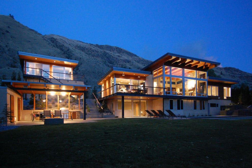Modern Riverside Residence by McClellan Architects