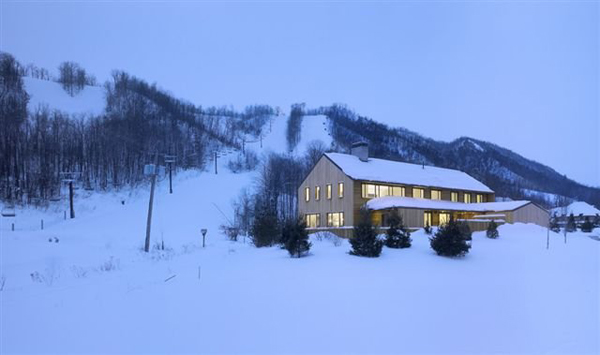 modern-ski-cabins-contemporary-home-7.jpg