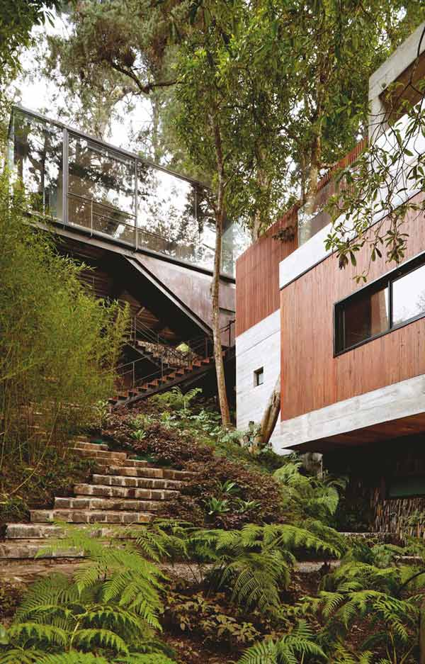modern tree house 2 A Modern Take on the Treehouse