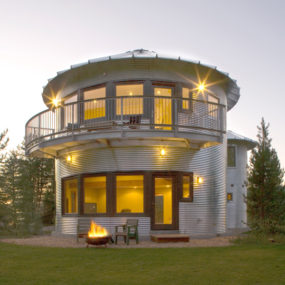 Silo House in Utah – grain silos rock!