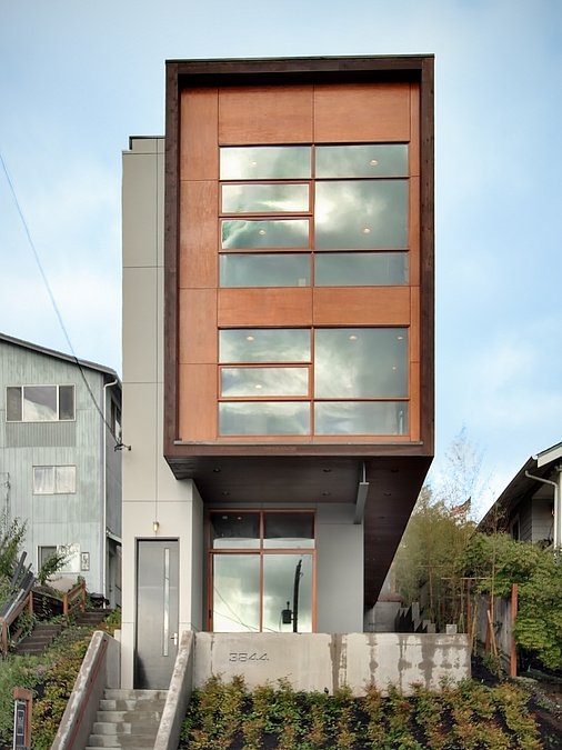 Contemporary Style House with a Rooftop Terrace in Mount Baker, Seattle