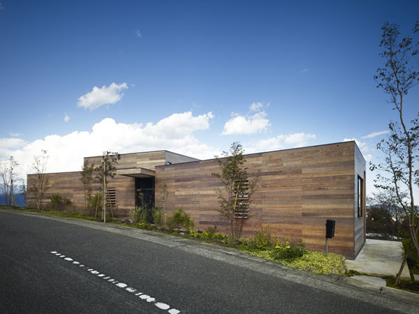 mountain-cabin-forest-house-japan-10.jpg