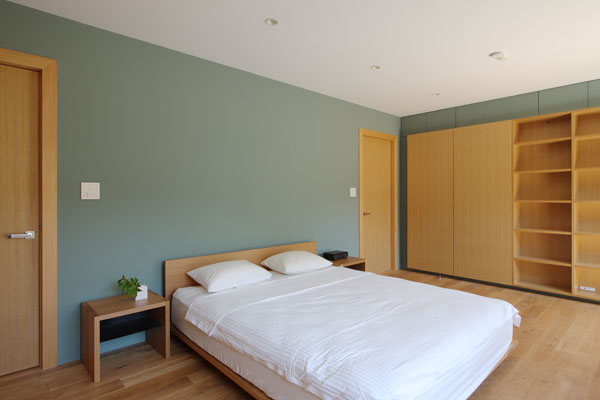 mountain cabin forest house japan 15