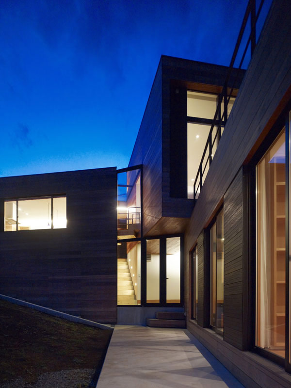 mountain cabin forest house japan 7