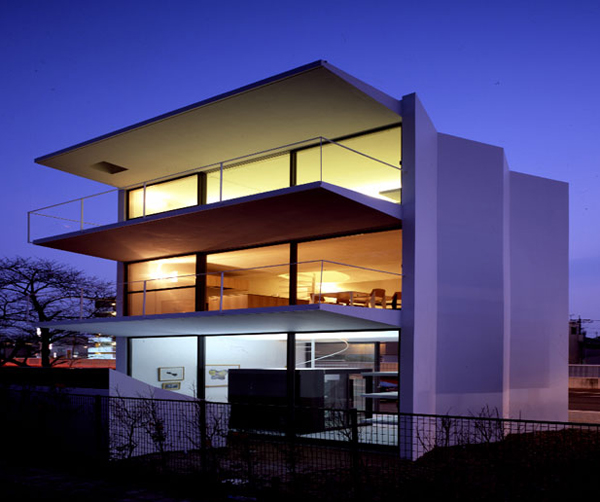 Japanese home architecture hidden behind the minimalist for Japanese minimalist house plans