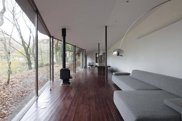 natural forest house 3 Natural Forest House Brings the Outdoors In