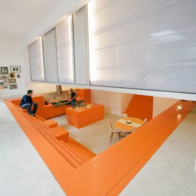 Netherlands house with dugout level and floating lightbox inside