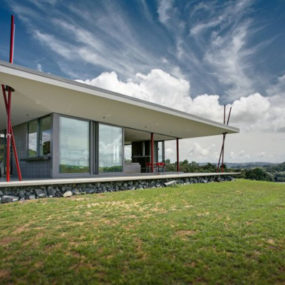 "New Zealand ""Tent House"" offers contemporary holiday hotspot"