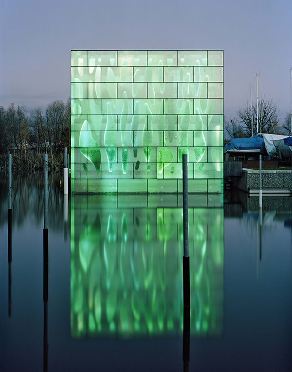 nordwesthaus 1 Light Architecture   LED House Illuminates Lake Constance in Switzerland