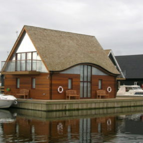 Modern Boat House in Norfolk, UK – Ferry Boatyard House by LSI Architect