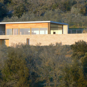 Sandstone House Design – a European style house overlooking Italian countryside