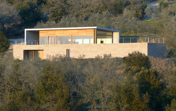observatory house 1 Sandstone House Design   a European style house overlooking Italian countryside