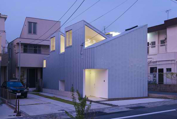 odd shaped houses japan 6 Odd Shaped Houses in Japan