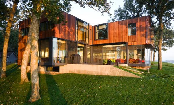 okoboji lake house 1 Contemporary Cottage on the Lake   Modern, not Modest