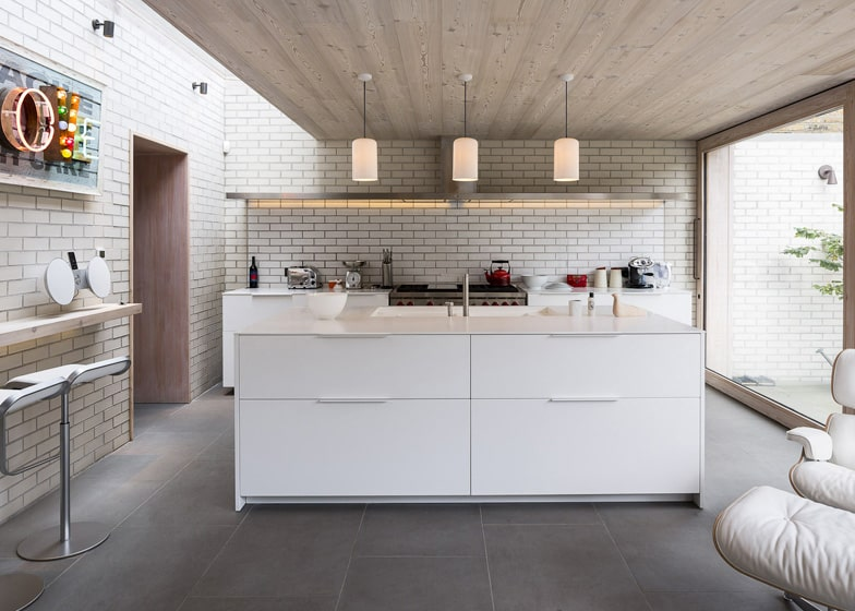 Old London home gets a fresh glass addition