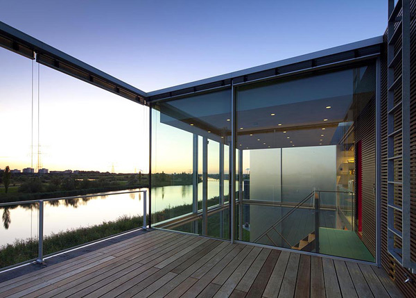 open-glass-house-6.jpg