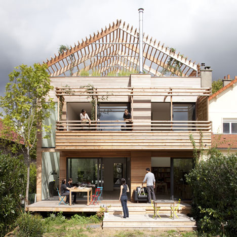 open roof house sustainable wood 1 Open Roof House: Sustainable Wood Architecture with Style