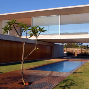 Modern House in Brazil – Earth, Air and Water Come Together in Osler House