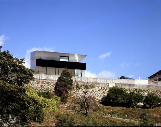 otake house 2 Japanese Mountain House   unusual mountain house plans with open concept