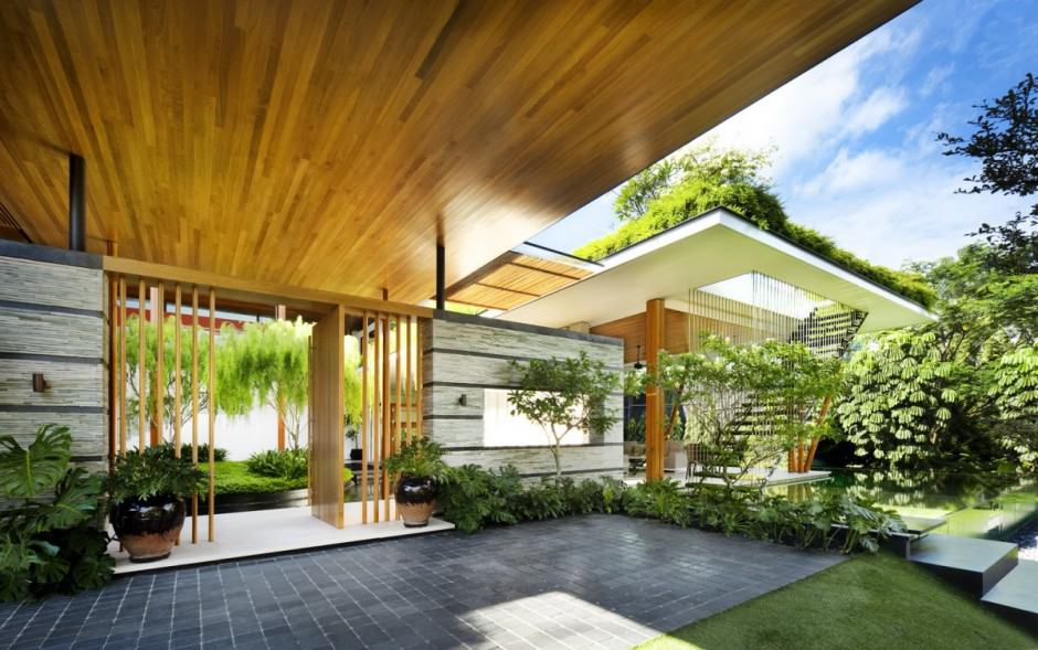 Outdoor house plan with interior courtyard and rooftop garden for Homes with courtyards in the middle