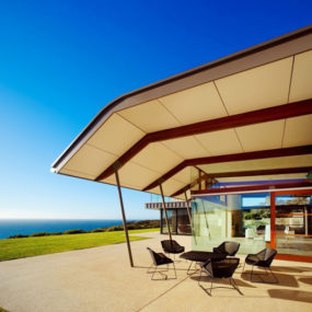 Outdoor Living Beach House on Australia Coast