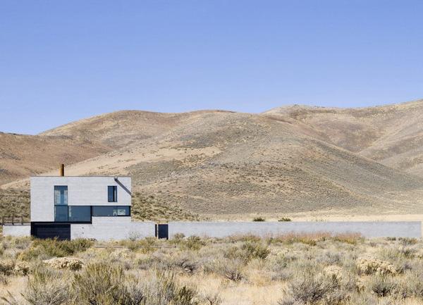 outpost 3 Desert House in Idaho with concrete paradise garden