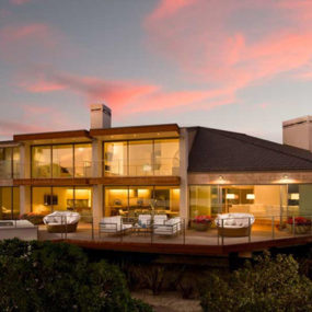 Beachfront House of Modern Luxuries – a contemporary estate home for $37.5 million