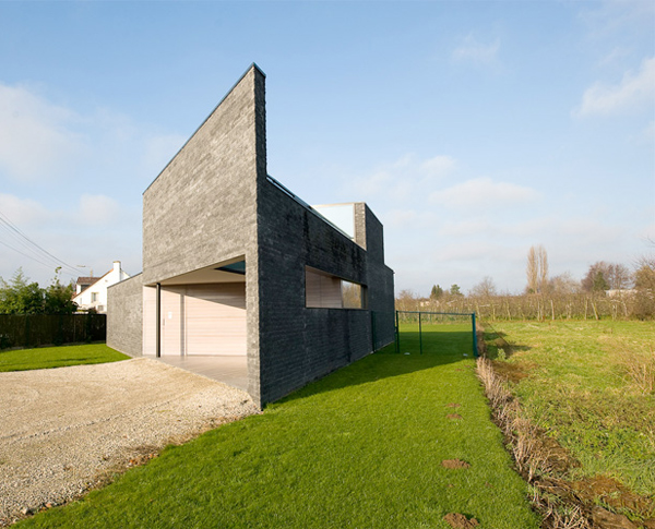 parallelogram house 1
