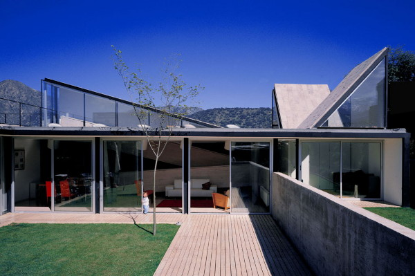 Awesome Innovative Home Design For The Pedro Lira House In Santiago, Chile