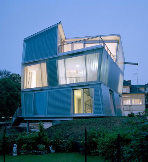 peripheriques architectes maison go 1 A Skewed View of Home – Maison Go by Peripheriques Architectes