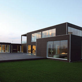 Modern Prefabricated Home Showcases High-End Furniture from B&B Italia!