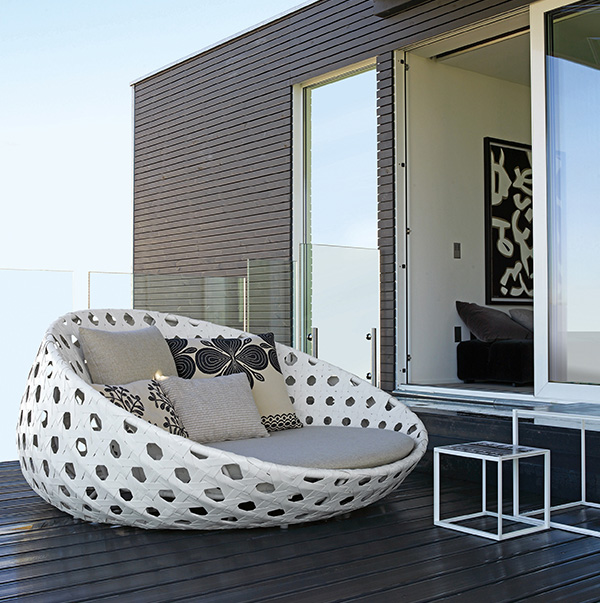 Elegant Shown Above Is The Woven Outdoor Chaise Lounge From Bu0026B Italiau0027s Canasta  Collection. Part 29