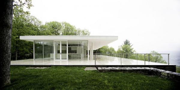Platform House Design Overlooking Hudson River