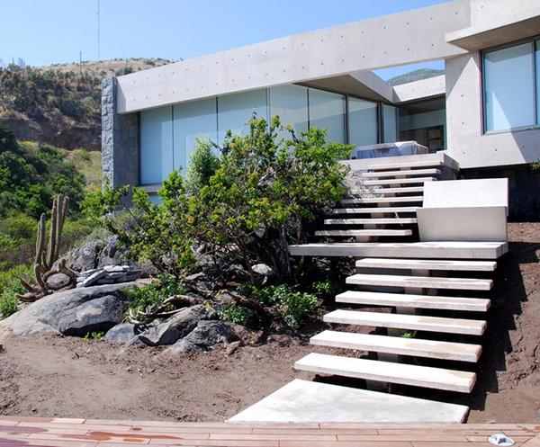 punta pite casa 7 Contemporary Coastal Homes on a rocky shore of Punta Pite, Chile