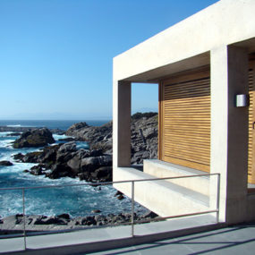 Contemporary Coastal Homes on a rocky shore of Punta Pite, Chile