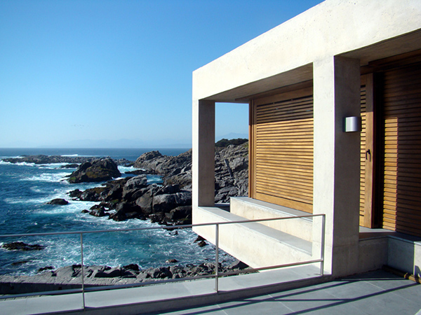Contemporary Coastal Homes on a rocky shore of Punta Pite Chile