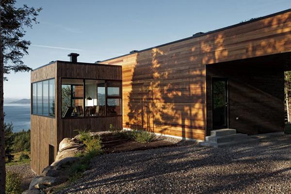quebec-cottage-home-in-woods-2.jpg