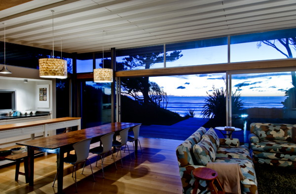 raumati beach house 3 Modern Beach Home Boasts Serious Surf Appeal