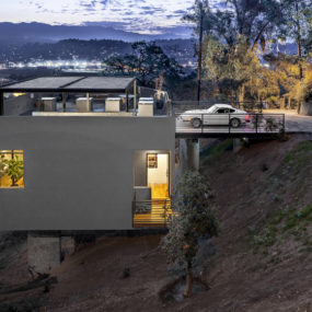 Relaxing Hillside Echo Park Home With Rooftop Carport