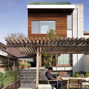 Rooftop Garden Home Design in Toronto, Canada