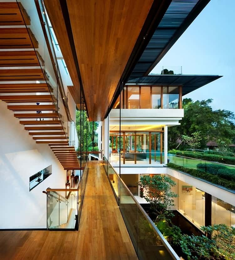 View in gallery rooftop lawn house with huge glass walls 8 Rooftop Lawn House