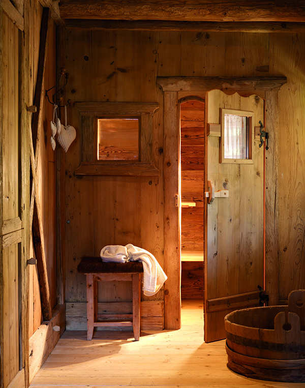 Rustic Log Cabin Design Stunning Interiors 13