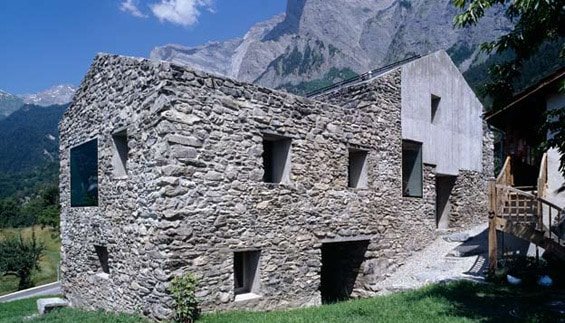 rustic mountain architecture swiss alps 1 Rustic Mountain Architecture in Swiss Alps
