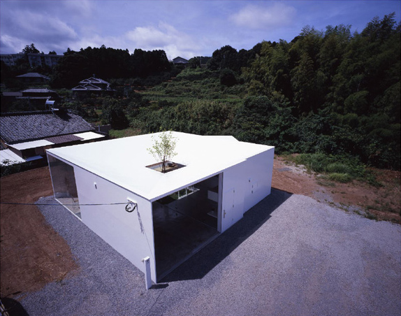 saikai house 2 Japanese Minimalist Architecture meets Nature in ... the  interior courtyard!